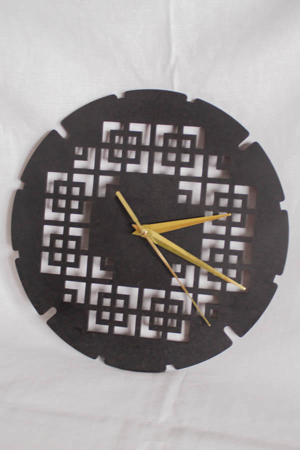 Bekoffee Relógio Bordado Redondo